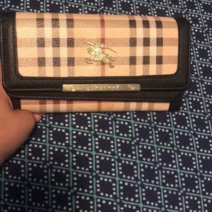 Burberry woman's wallet
